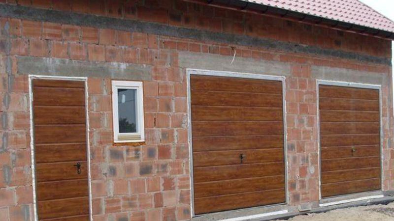 Segmentinės durys ISVETA